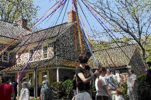 Pottsgrove Manor Maypole